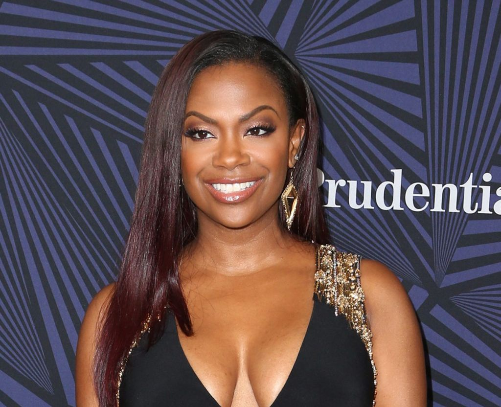 kandi-burruss-recent-photo-has-fans-addressing-a-potential-breast-implant-issue
