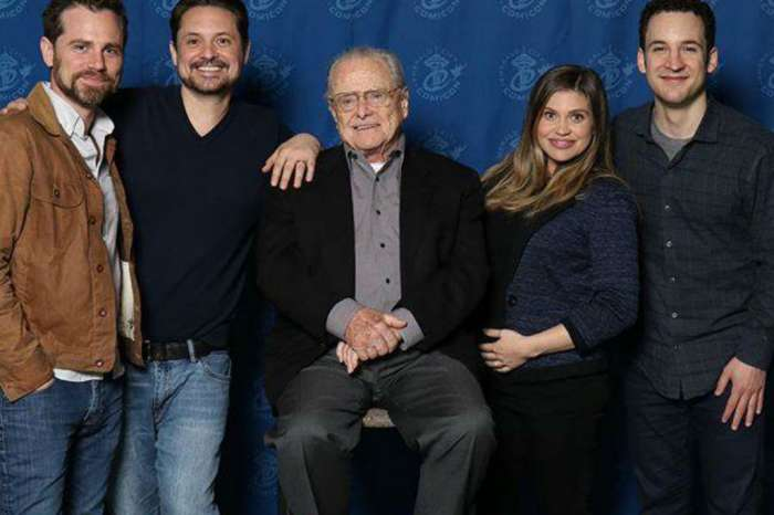 'Boy Meets World' Cast Reunites For Hilarious Photo To Celebrate Pregnant Danielle Fishel