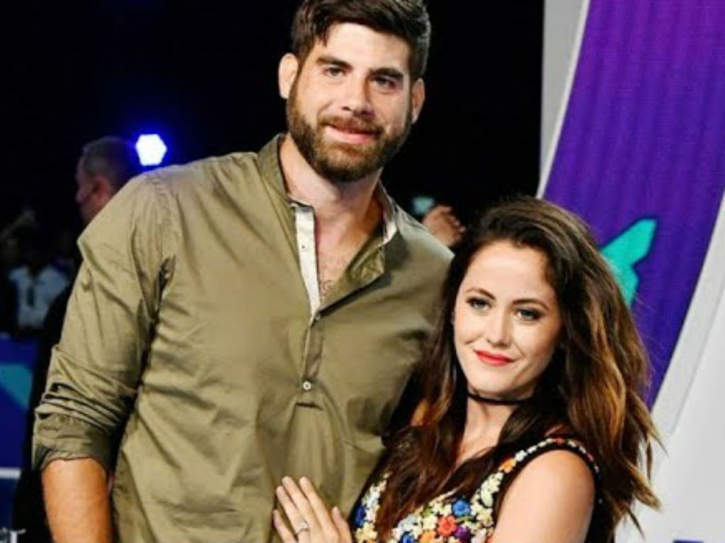 jenelle-evans-reportedly-refuses-to-return-home-and-is-considering-divorce-following-david-eason-dog-shooting