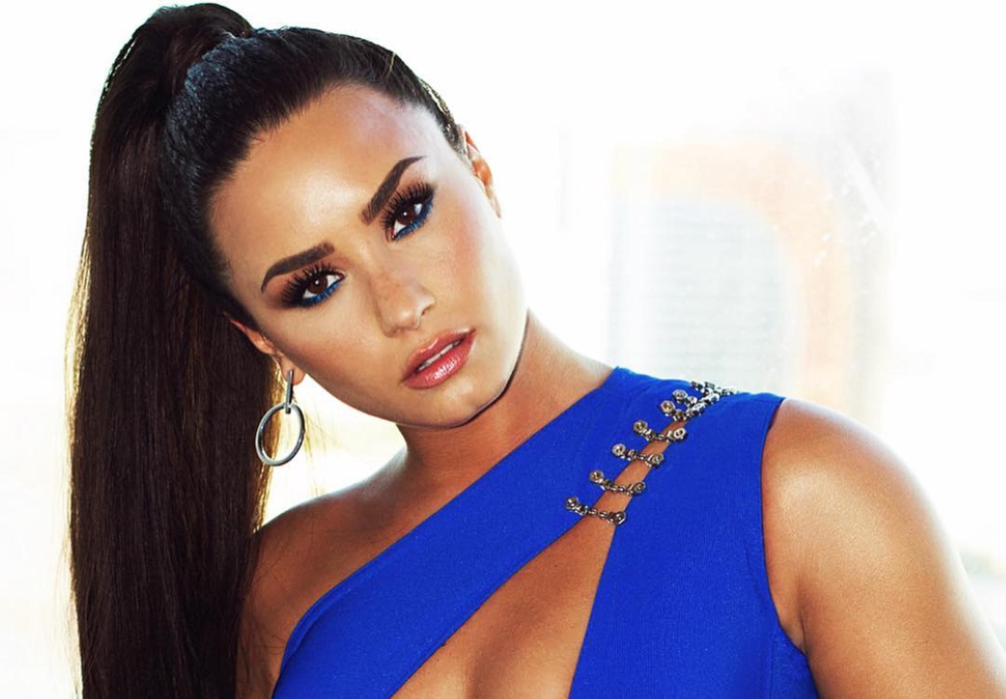 Demi Lovato Bora Bora Vacation