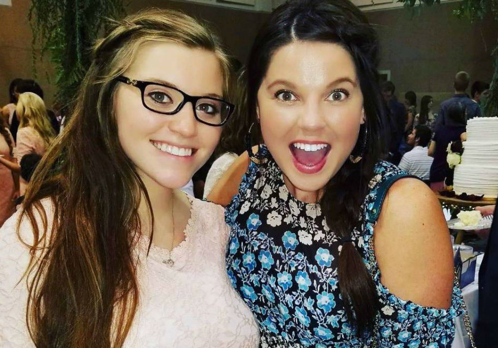 did-duggar-family-rebel-amy-duggar-just-reveal-that-she-is-having-a-baby-girl
