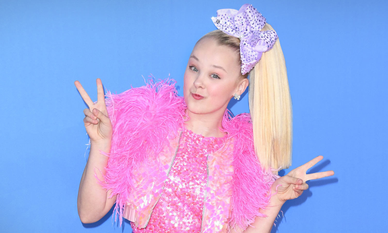 jojo-siwa-disables-her-instagram-comments-after-getting-really-mean-ones