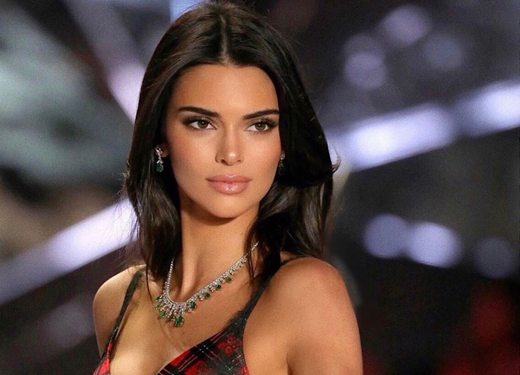 """""""kendall-jenner-shows-off-her-perfect-figure-in-new-pictures-that-might-convince-ben-simmons-to-beg-for-another-chance-check-why-luka-sabbat-is-now-in-the-mix"""""""