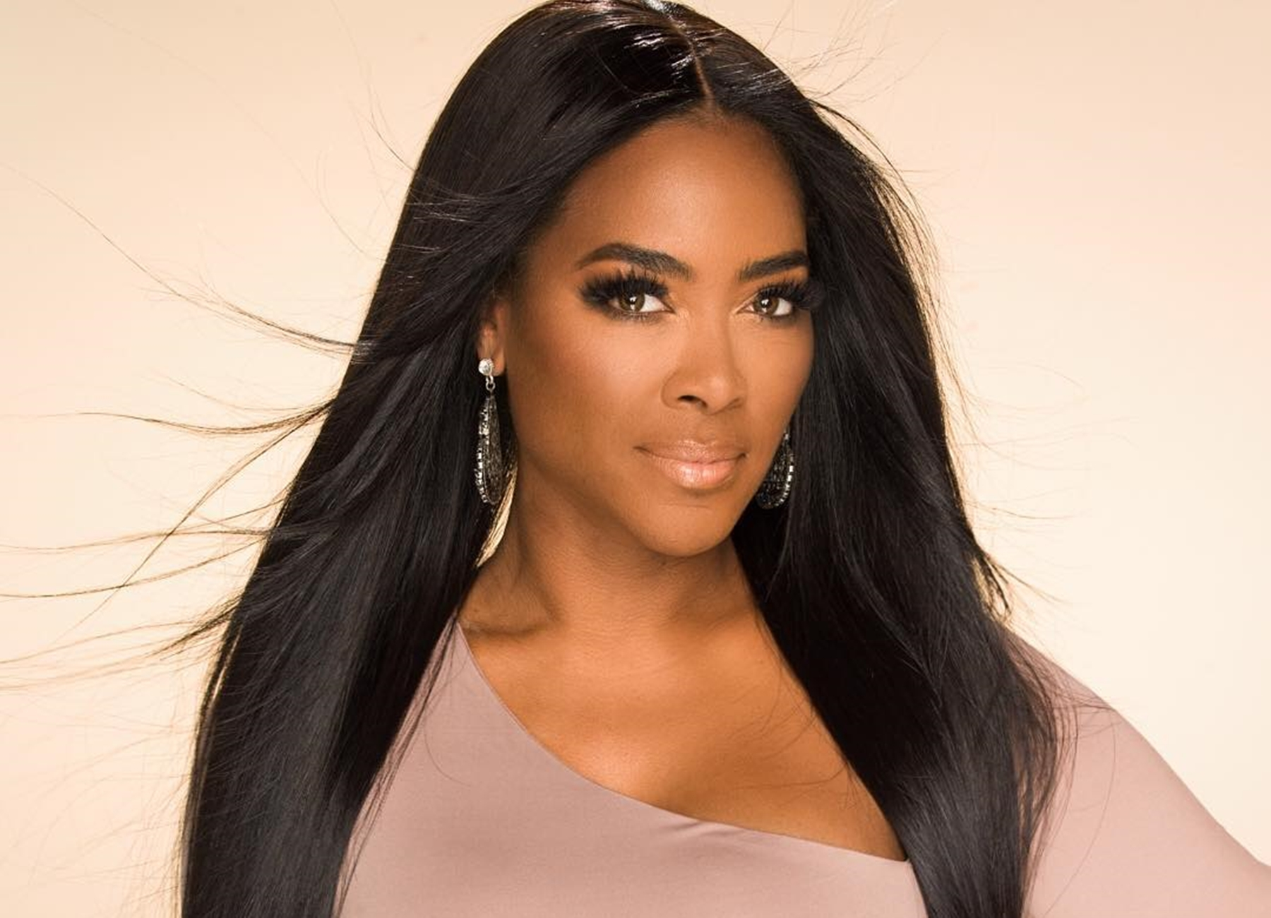 Kenya Moore's Fans Has The Pleasure To Meet Her At Dallas Ultimate Women's Expo