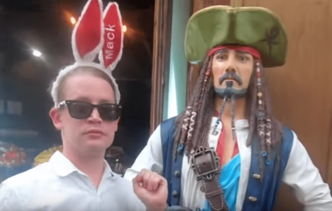 """watch-macaulay-culkin-point-at-france-in-new-video"""