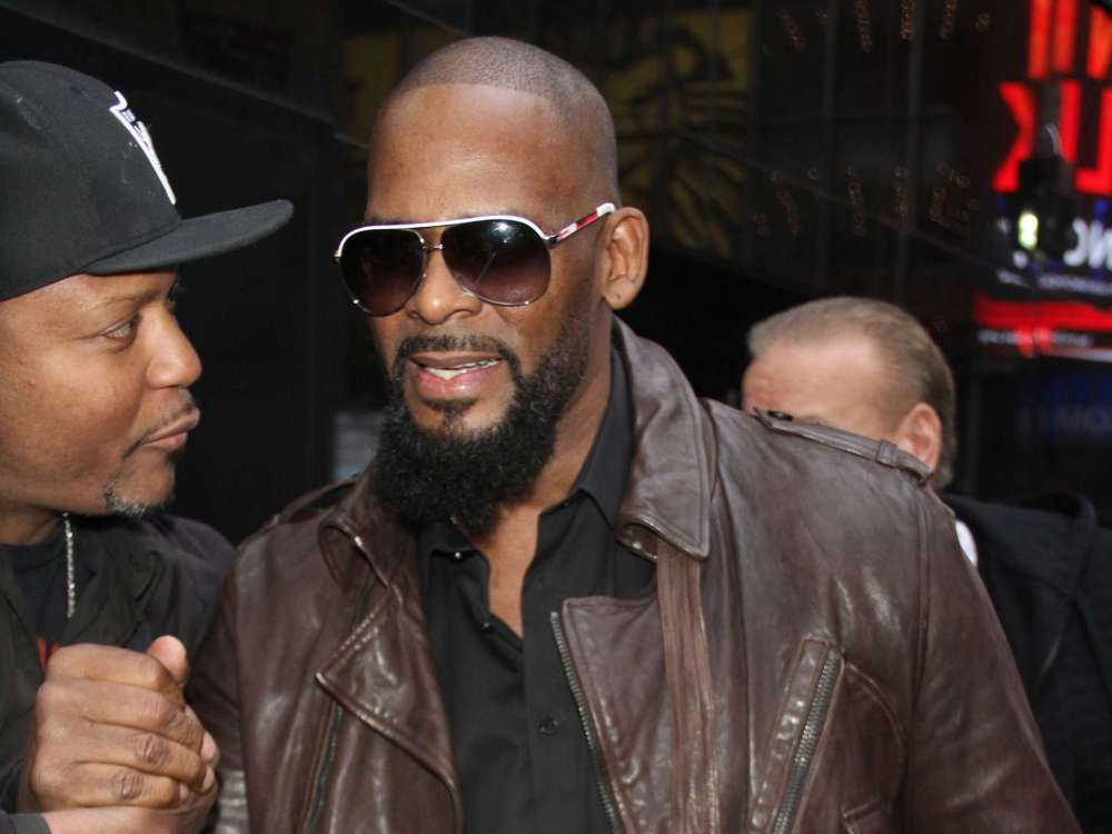"""r-kelly-appears-in-chicago-court-today-beginning-the-first-stages-of-his-sex-abuse-trial"""