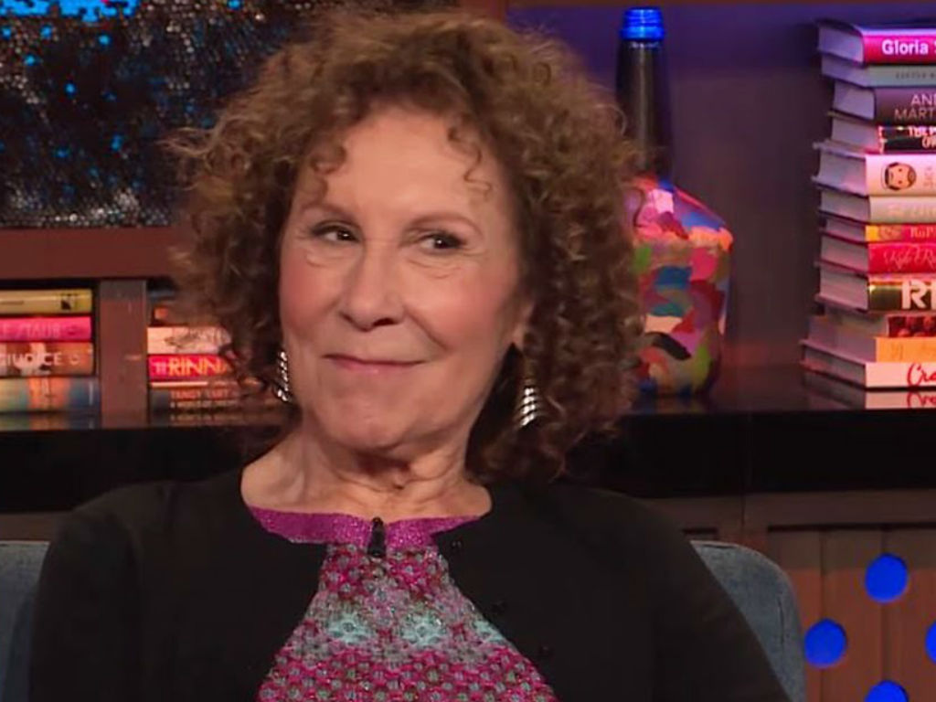 rhea-perlman-will-never-divorce-estranged-husband-danny-devito-heres-why