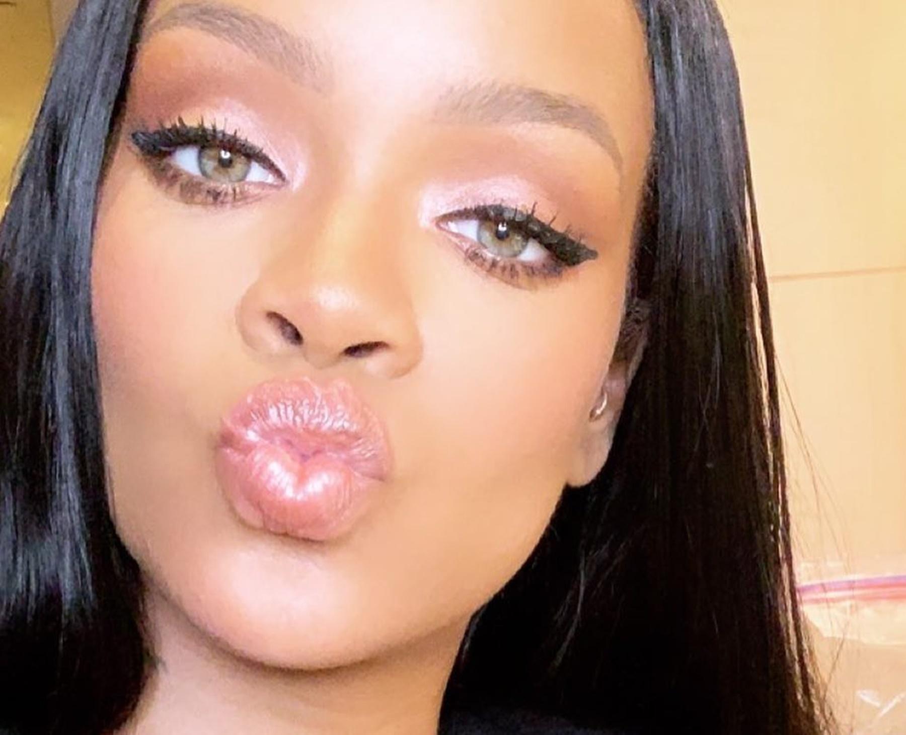 Rihanna Lingerie Makeup Company Fenty