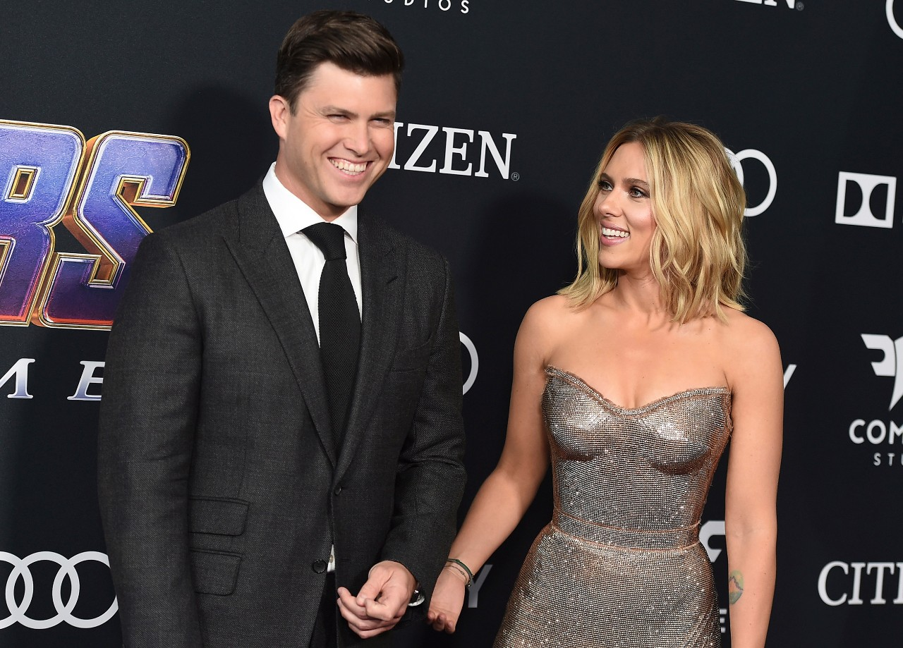 scarlett-johansson-and-colin-jost-are-engaged