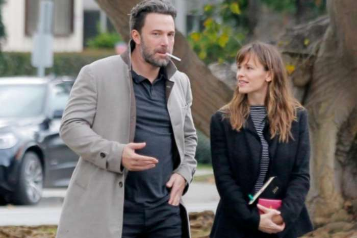 Jennifer Garner Reads A Book To Seraphina And Ben Affleck And Now The Internet Wants Them Back Together — Watch Video