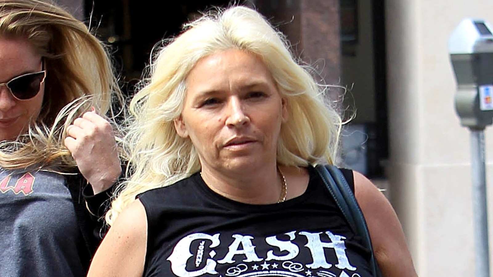 beth-chapman-claims-that-some-family-members-have-made-her-battle-with-cancer-even-harder-details