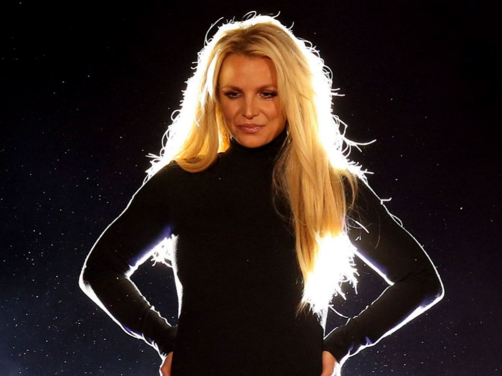 Britney Spears says she will perform again amid retirement rumours