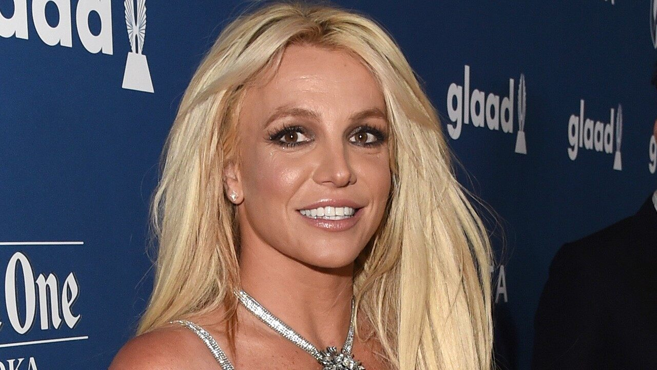 britney-spears-posts-video-of-herself-making-silly-faces-after-therapy-session