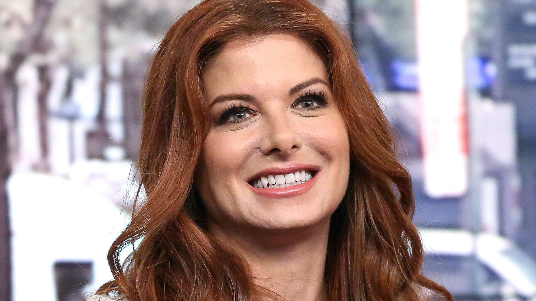 debra-messing-adresses-her-unrecognizable-face-in-new-photos-did-she-get-plastic-surgery