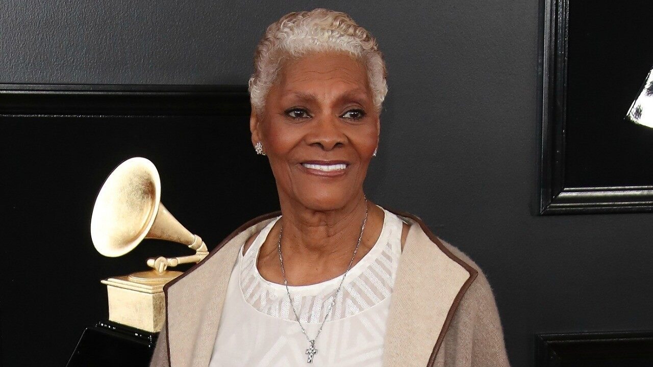 dionne-warwick-calls-the-whitney-houston-hologram-plans-stupid