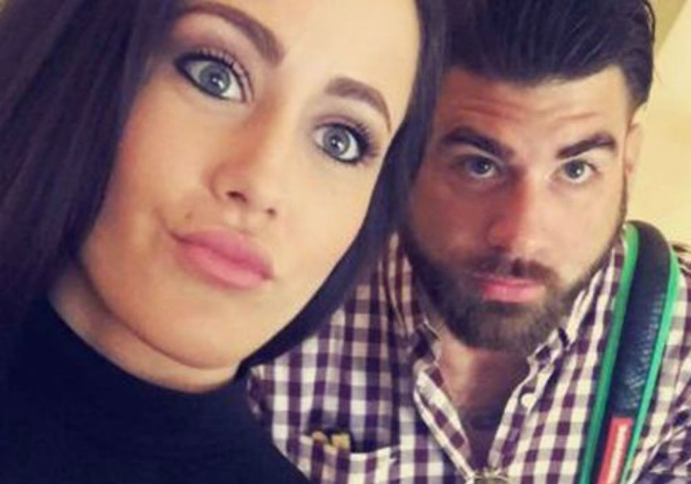 former-teen-mom-jenelle-evans-husband-david-eason-threatens-her-in-front-of-their-children-in-shocking-new-video