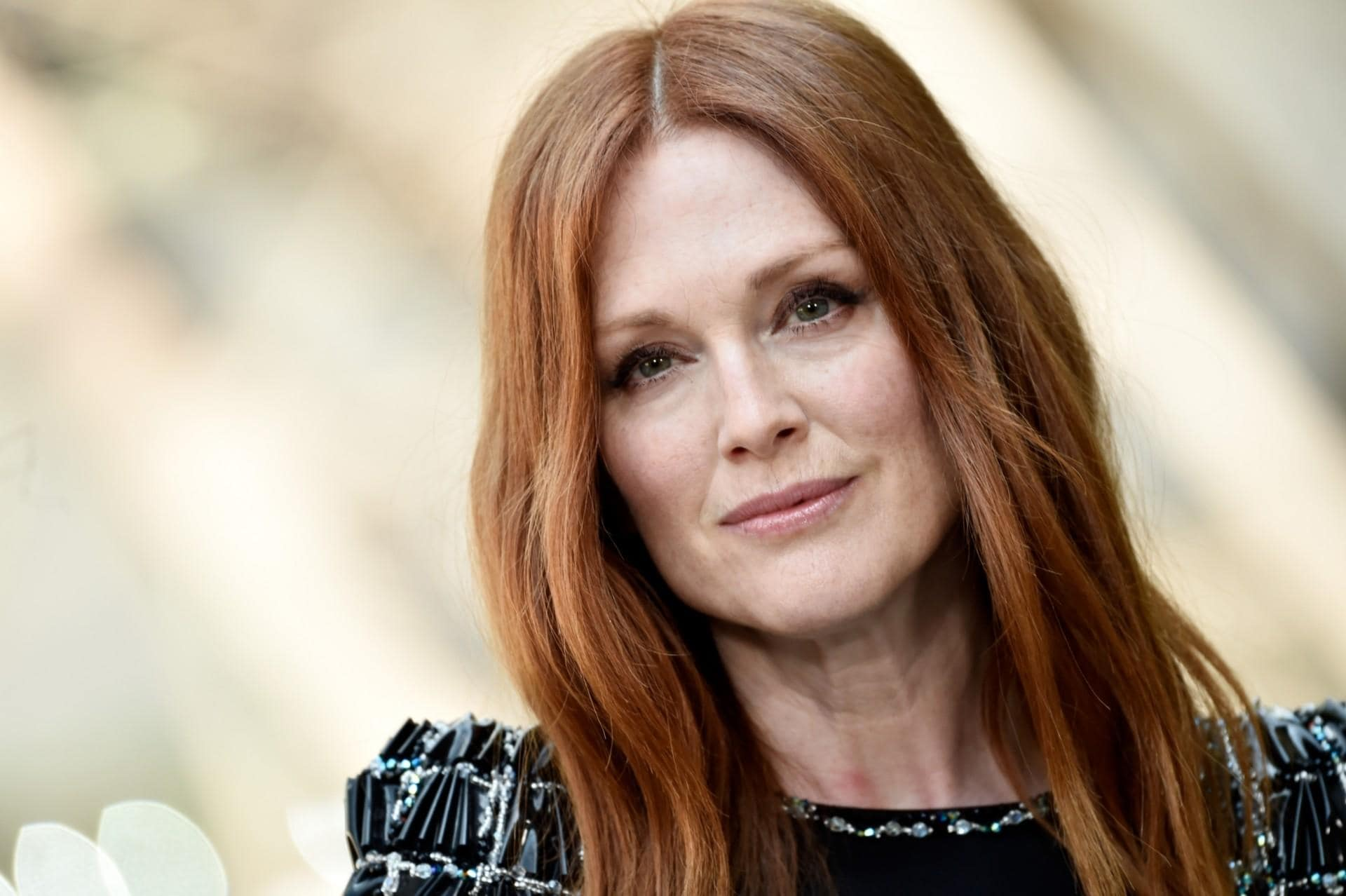 julianne-moore-says-she-doesnt-get-paid-equally-for-her-films