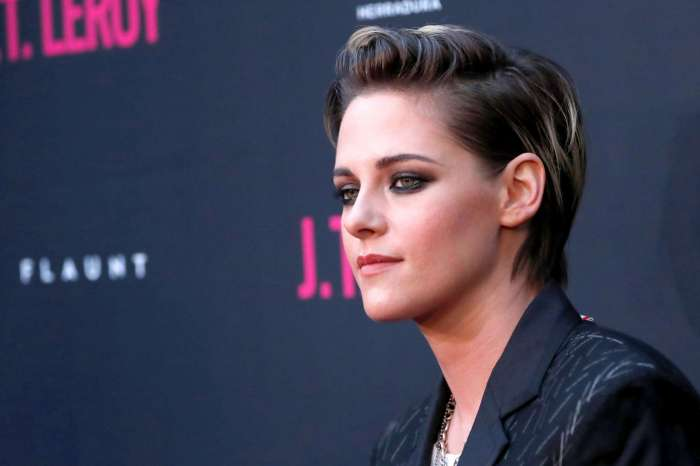 Kristen Stewart Explains Why She Came Out After 'Twilight'