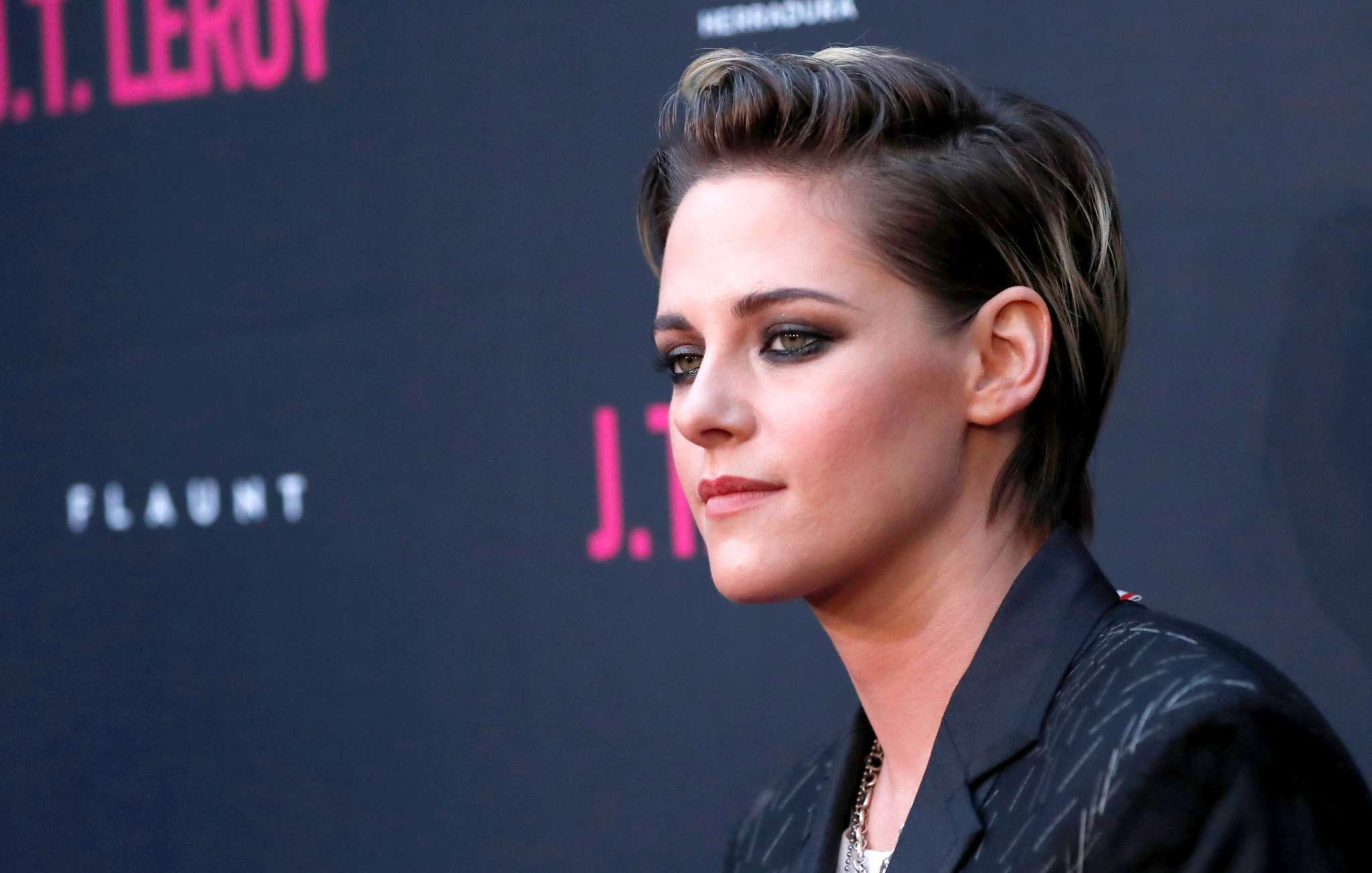 kristen-stewart-explains-why-she-came-out-after-twilight