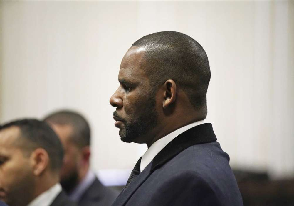 """r-kelly-slapped-with-11-more-sexual-assault-charges-kellys-lawyer-says-the-claims-are-old"""