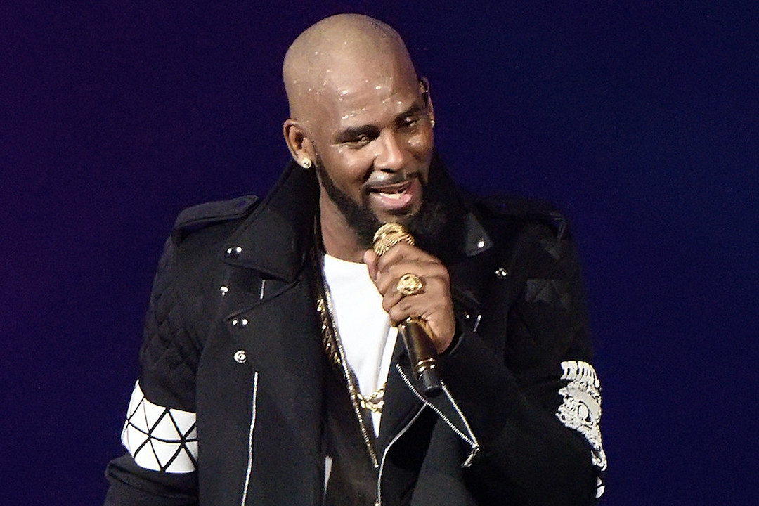r-kelly-allegedly-paid-off-accusers-not-to-testify-in-his-2008-trial