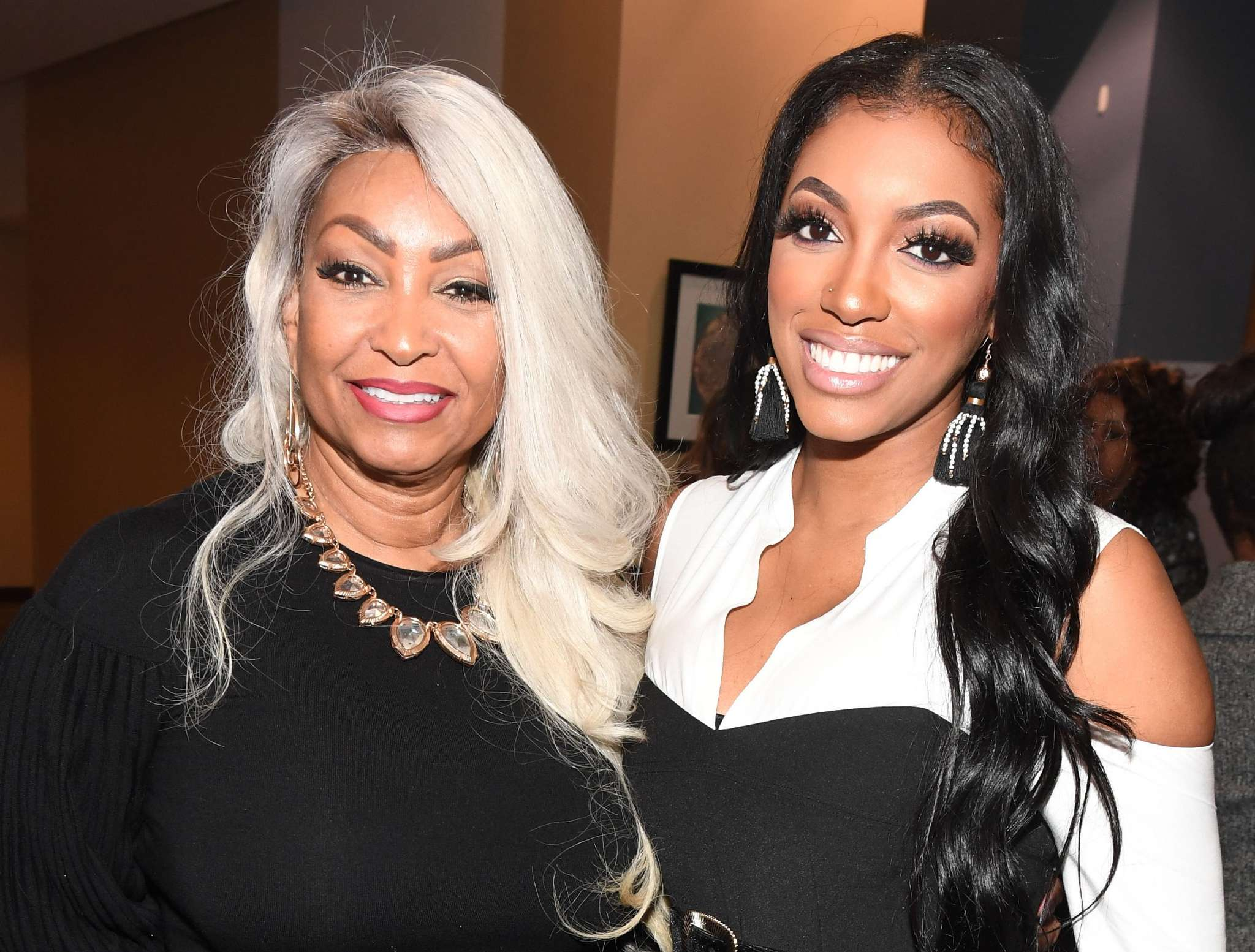 PorshaWilliams' Video With Her Mom Dancing To Beyonce Has Fans Crazy With Excitement - Check Out Diane's Sensual Moves