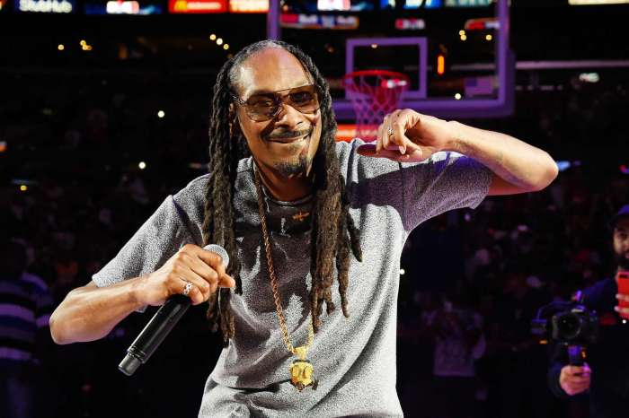 Snoop Dogg Has A Problem That Rapper T.I. Could Fix, According To Fans - Check Out What's This All About