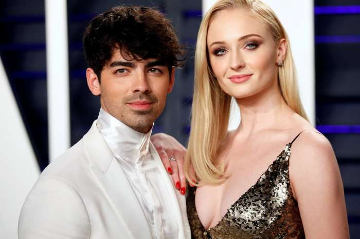 Sophie Turner - Here's Why She Chose To Take Husband Joe Jonas' Family Name