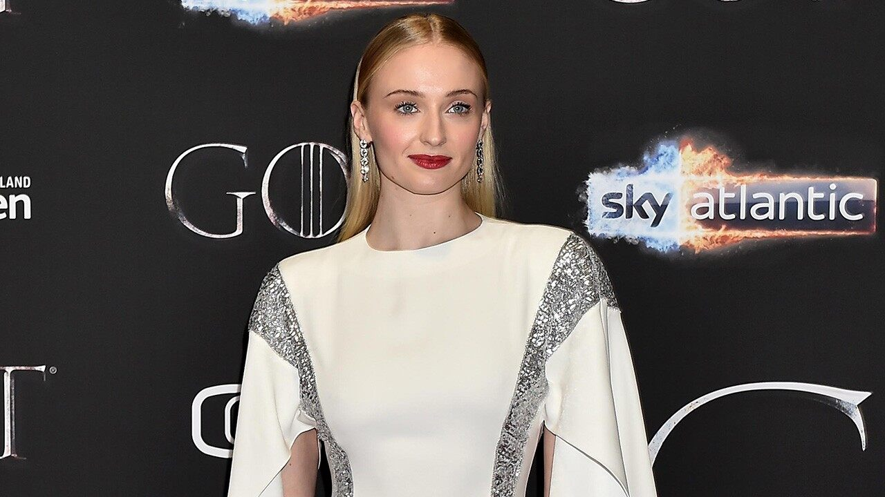 sophie-turner-slams-game-of-thrones-fan-petition-to-have-the-last-season-reshot-its-disrespectful