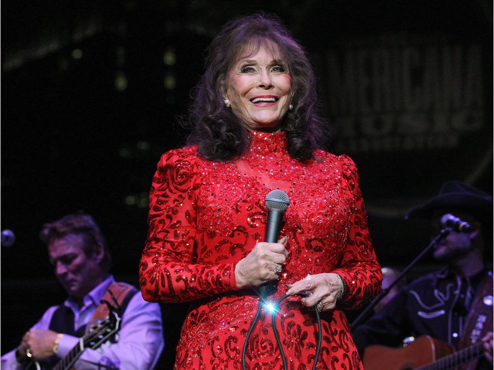 """loretta-lynn-hits-out-at-all-those-who-have-claimed-shes-on-her-death-bed"""
