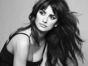 Penelope Cruz Says She Hated Javier Bardem's Look as Pablo Escobar