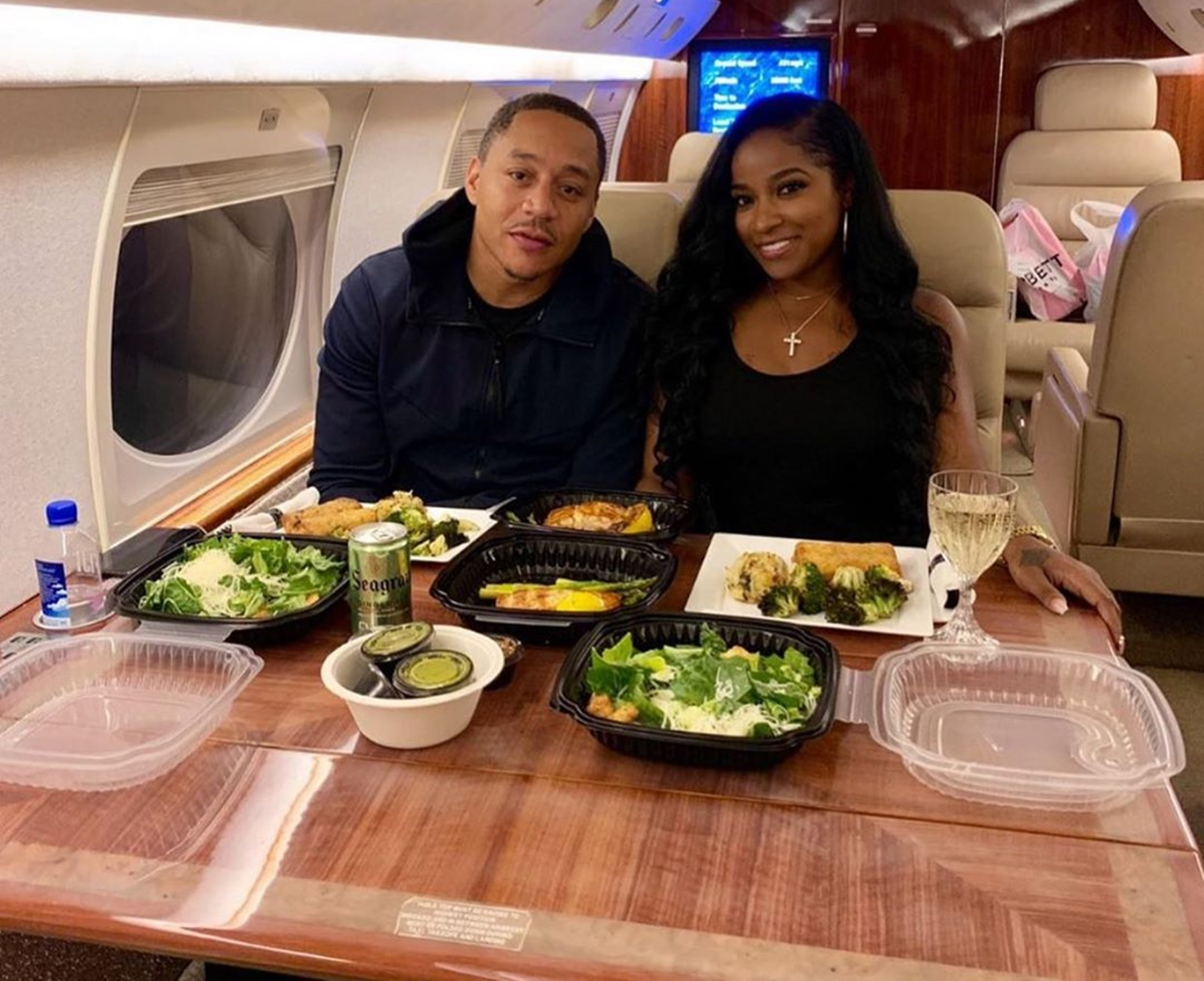"""toya-wrights-boyfriend-robert-rushing-surprised-her-with-romantic-trip-on-private-jet-pictures-have-tiny-harris-and-kandi-burruss-convinced-that-he-is-about-to-propose"""