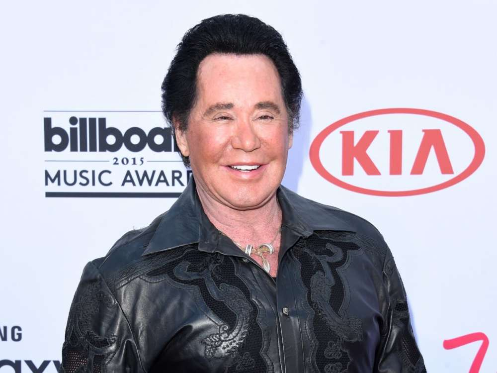 """wayne-newton-testifies-against-home-invader-who-allegedly-threatened-his-wife-with-a-tire-iron"""