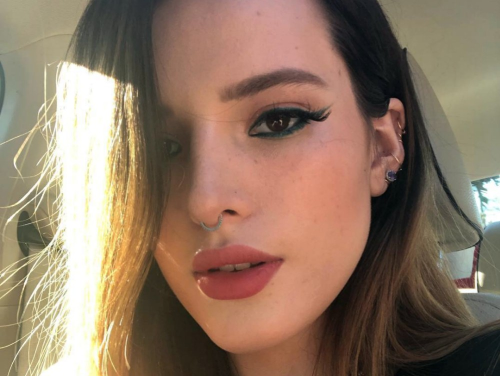 bella-thorne-shares-racy-photo-goes-viral