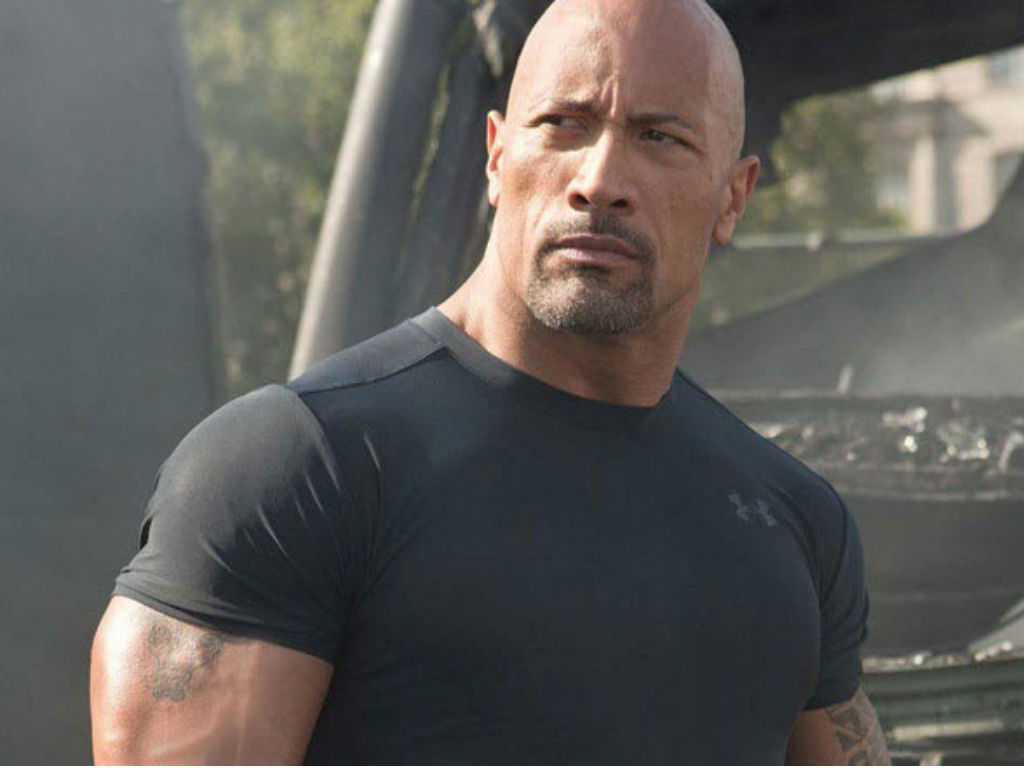 """""""dwayne-johnson-slammed-for-photo-of-young-daughter-at-swimming-pool"""""""