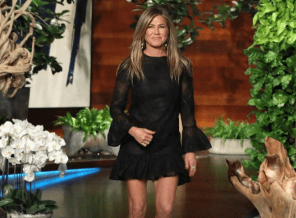 jennifer-aniston-would-totally-do-a-friends-reunion-is-it-already-in-the-works-watch-video