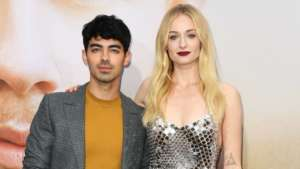 Joe Jonas Gushes Over Wife Sophie Turner's First 'Vogue' Cover