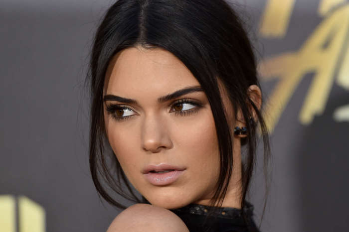 KUWK: Kendall Jenner Also Slammed For Washing Her Face In Under 10 Seconds After The Kylie Skin Backlash!