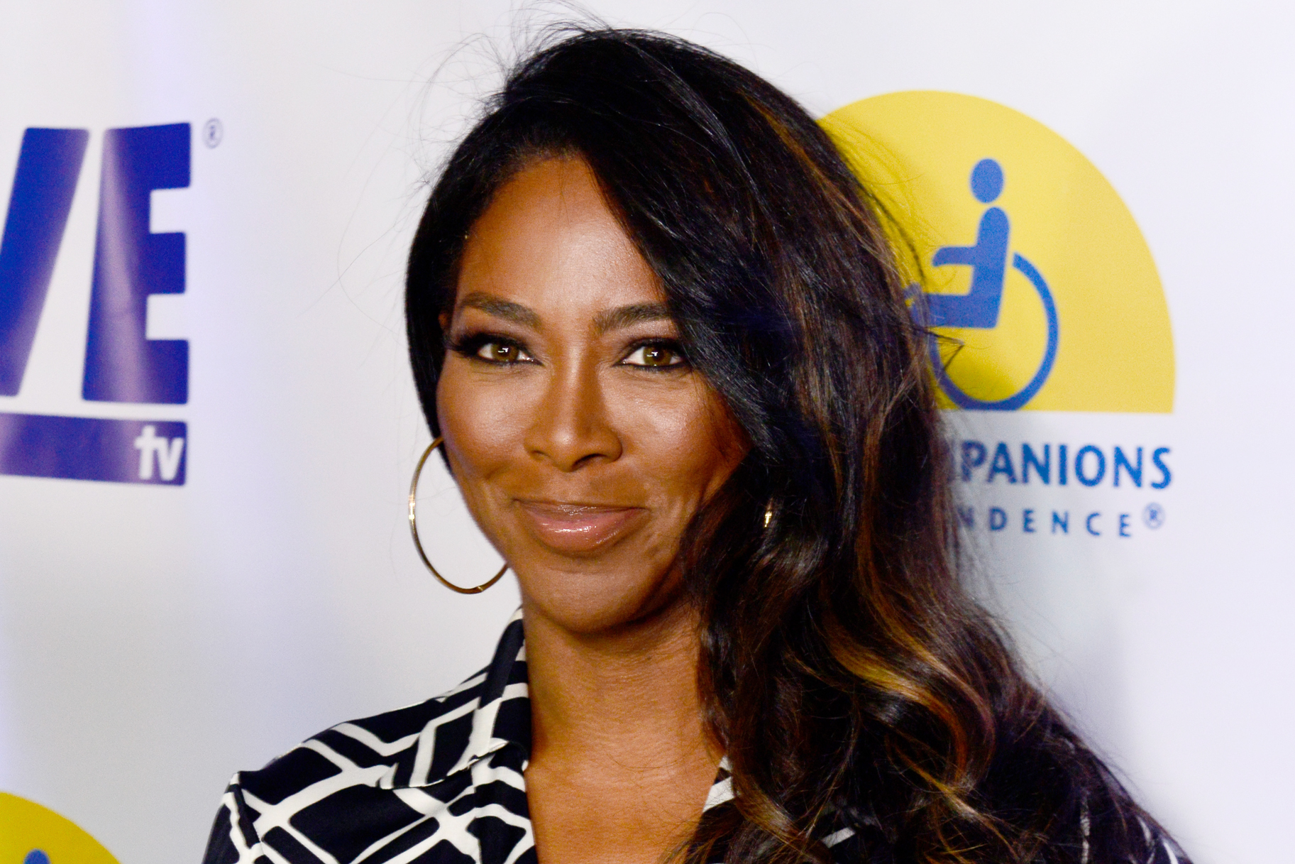 Kenya Moore Annoucens Her Fans That She'll Make An Appearance In The Family Reunion Netflix Series