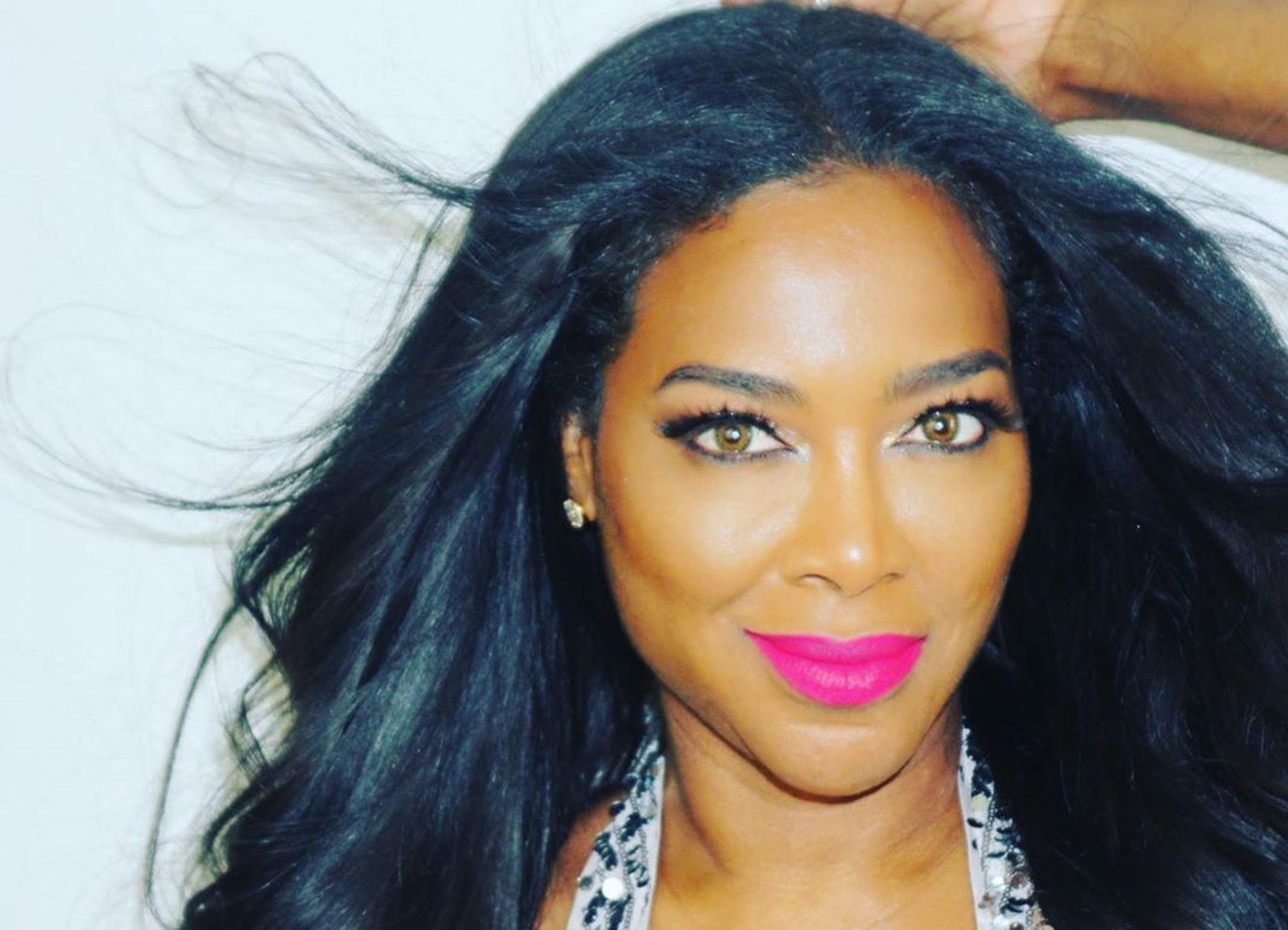 kenya-moore-tells-fans-she-is-all-in-for-the-drama-with-epic-photo-shoot-will-she-bring-the-fire-to-rhoa