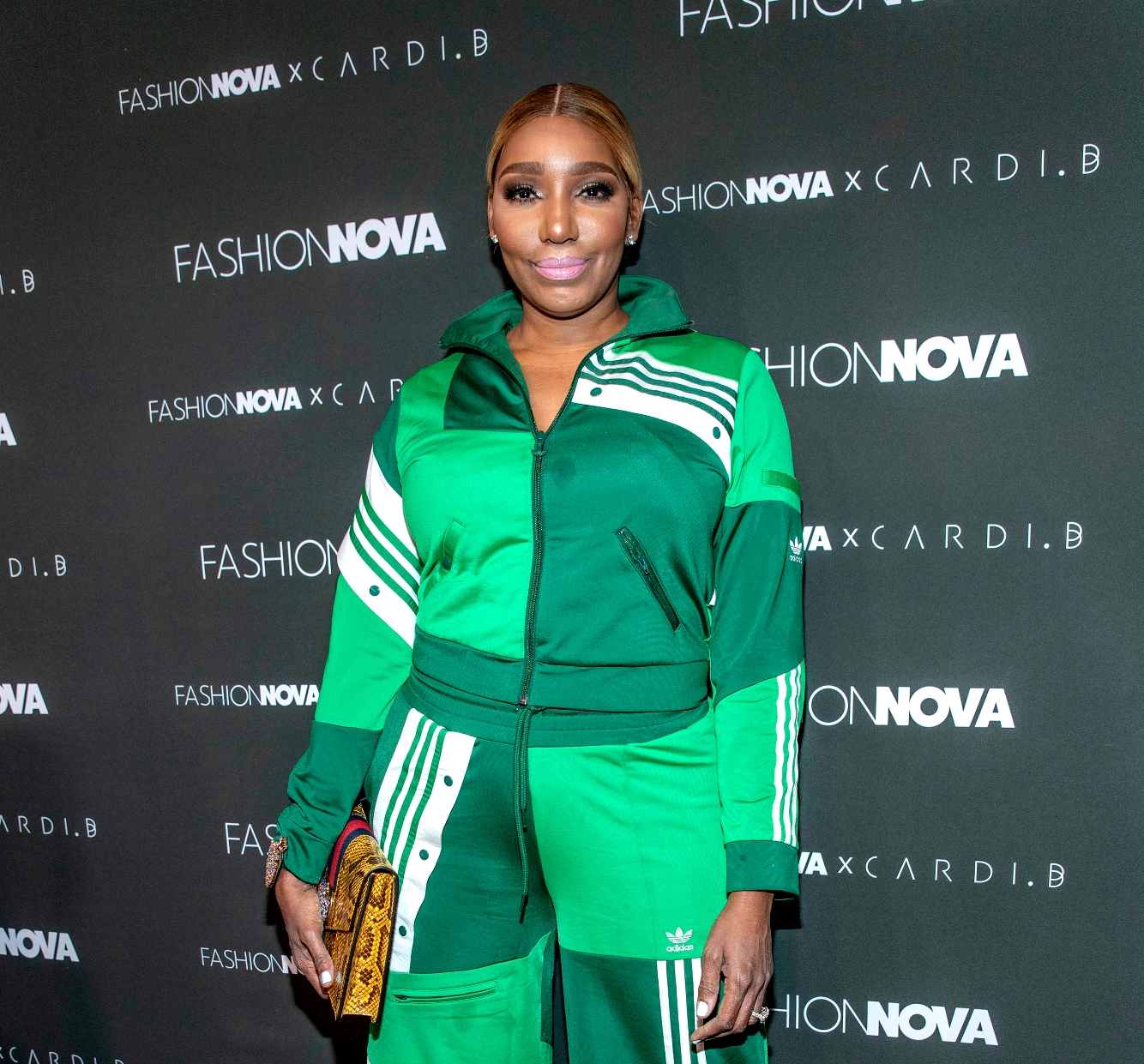 nene-leakes-combines-squats-and-shopping-and-fans-are-here-for-it
