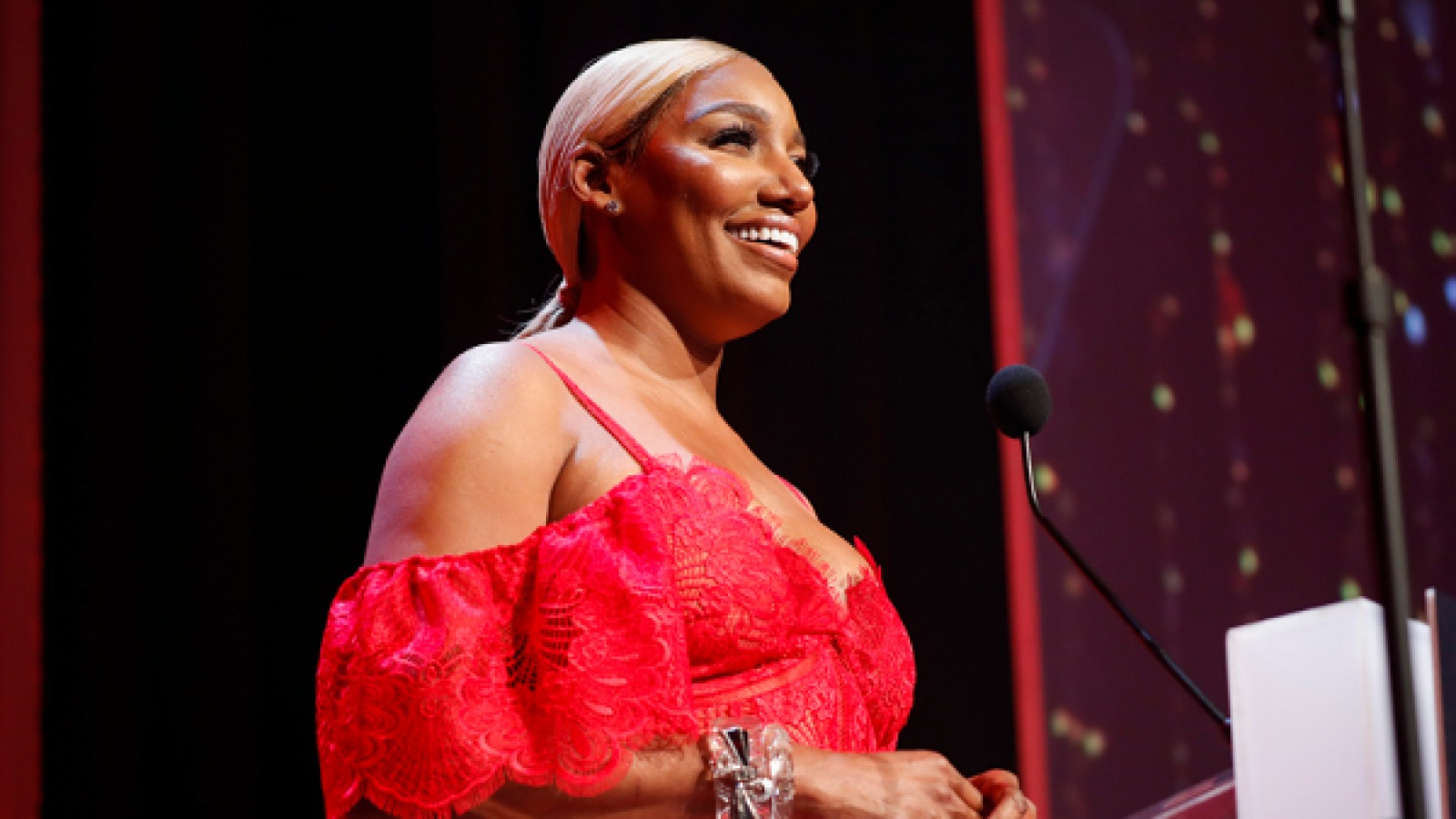 nene-leakes-invites-fans-to-her-newest-swagg-boutique