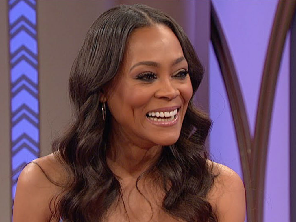 robin-givens-dishes-on-her-rumored-romances-with-howard-stern-and-brad-pitt