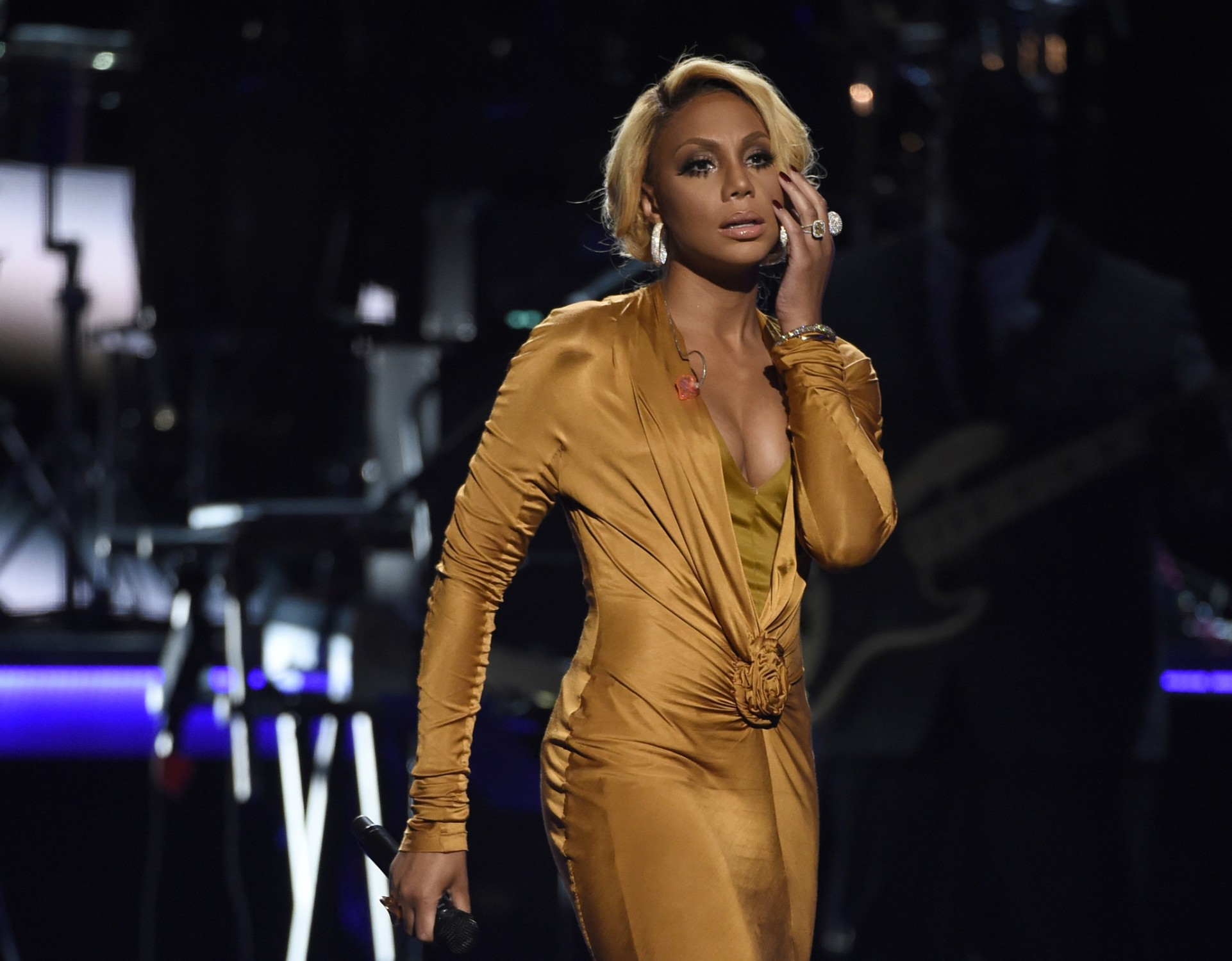 Tamar Braxton's Fans Say She Changed Her Look Following Kandi Burruss' Tour With The Dungeon Show