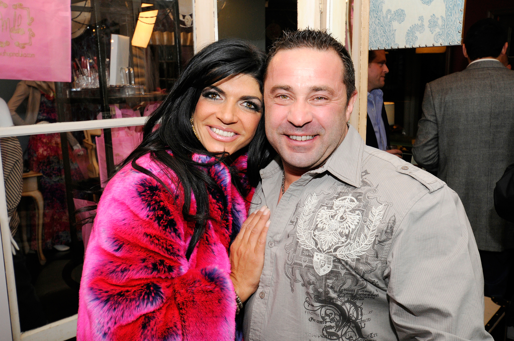 teresa-giudice-determined-to-take-daughters-to-visit-their-dad-on-fathers-day-shell-do-everything-in-her-power