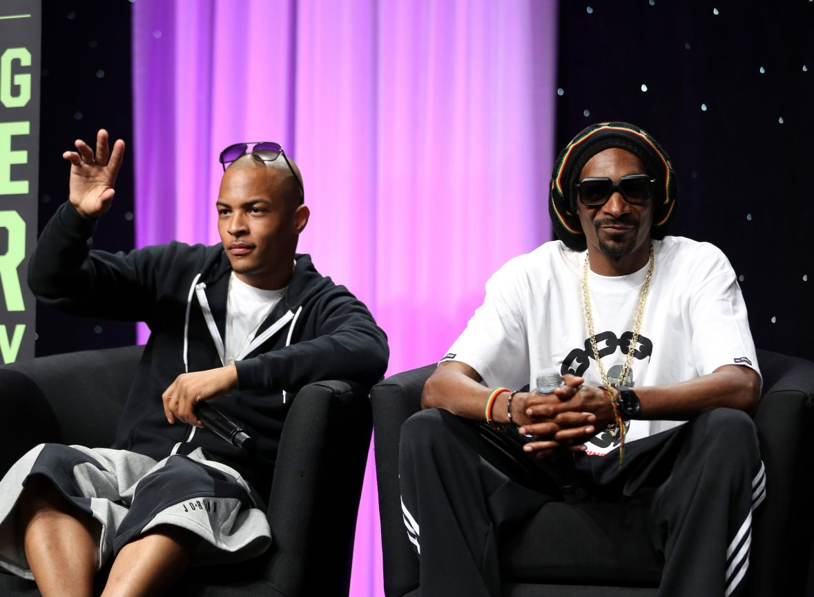 T.I.'s Photos With Snoop Dogg Have Fans In Awe - They're Wondering If The Rappers Have A Secret Project Together