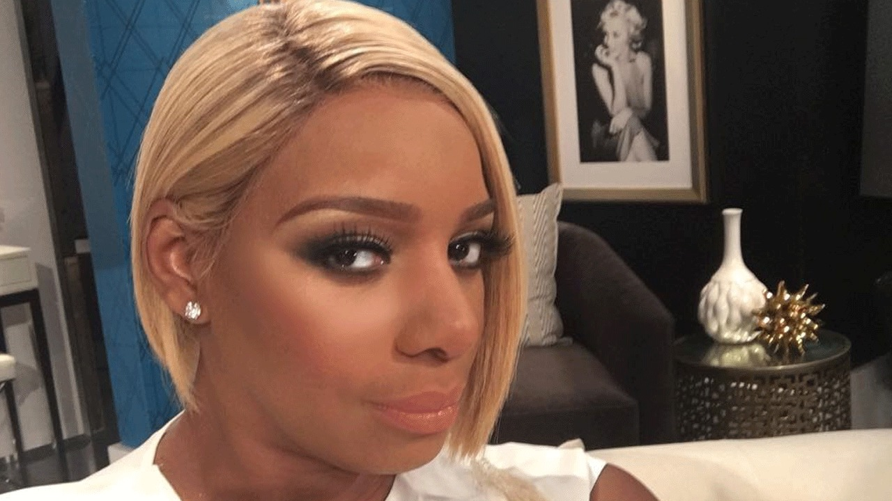 NeNe Leakes Shows Off Her Huge Cleavage But Fans Criticize Her For Wearing So Much Makeup By The Pook