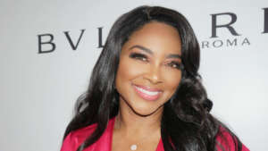 Kenya Moore Is Helping Women Who Are Struggling With Hair-Related Issues