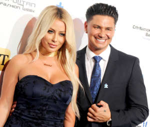 Aubrey O'Day Reveals She Hooked Up With A Guy On Ex On The Beach -- Brags That He's 'Bigger' Than DJ Pauly D