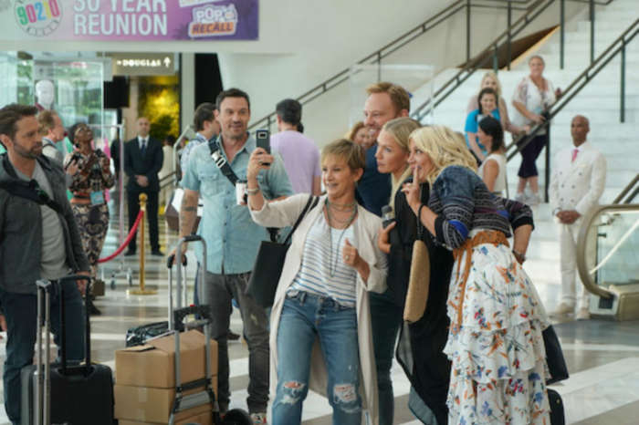 BH90210 Teaser Features The Gang At The Peach Pit – Tori Spelling And Brian Austin Green Share Kiss